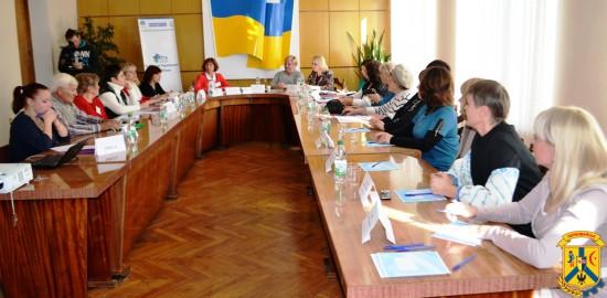 Приміщенні міської ради відбулась прес-конференція, присвячена дослідженню громадської думки з питань участі жінок в українській політиці.