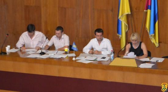 Під головуванням секретаря міської ради Н.Сабліної працювала 18 сесія міської ради сьомого скликання