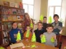 Новорічний майстер-клас у дитячій бібліотеці «Паперова ялинка»