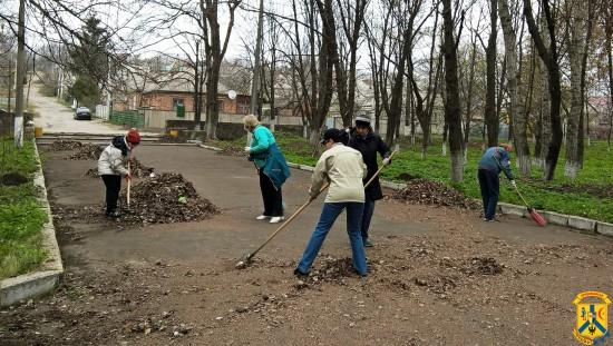 Роботи з благоустрою і санітарного очищення міста