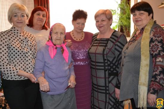 104-й день народження довгожителька міста Первомайська Олександри Василівни Теслюк