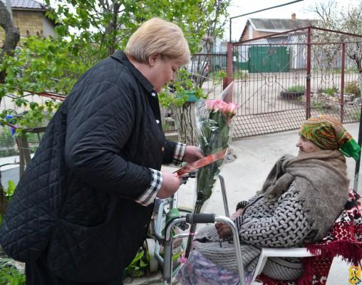 Привітали довгожительку міста Первомайська Агафію Павлівну Солганенко, якій виповнився 101 рік