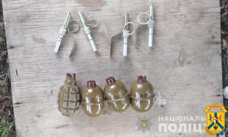 Первомайські дільничні спільно з працівниками СБУ вилучили у місцевого мешканця чотири гранати