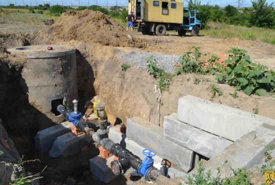 Роботи по підключенню новозбудованої водопровідної мережі на мікрорайоні «Дроздівка»