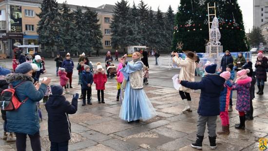 Cвятково-розважальна програма для дітей та їх батьків
