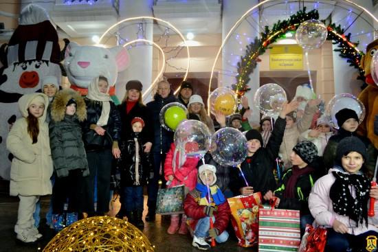 На центральній площі міста відбулось новорічне дійство для дітей
